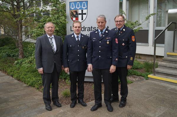250417 - Ernennung eines Fach-Kreisbrandmeisters und Neube-stellung eines Fachberaters Information und Kommunikation